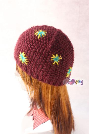 "14.16.H: red star bulky hat<br><font color=""red"">Best Value!</font>"